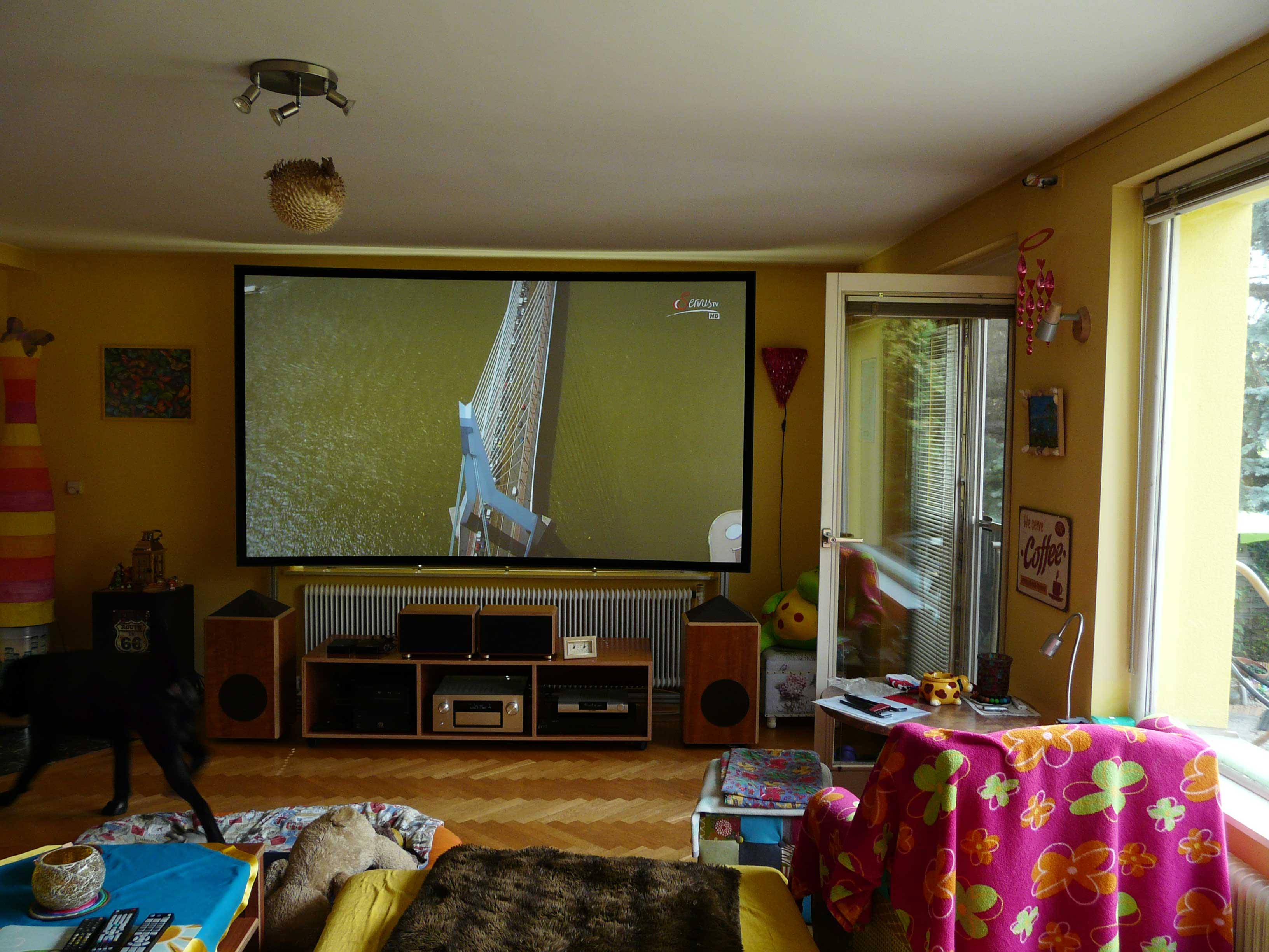 bestes Sehvergnügen im Wohnzimmer | CouchScreen Leinwand